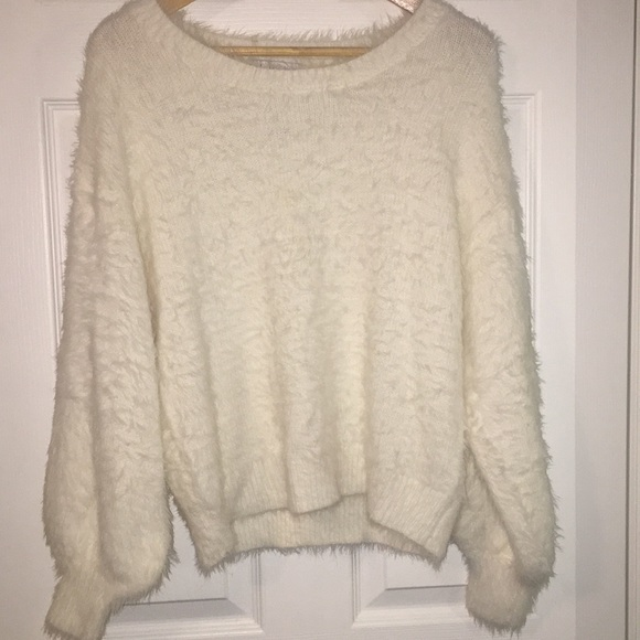 ❤️SALE! NWT London Kaye fuzzy sweater
